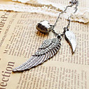 European and American vintage diamond wings of love leaves sweater chain N104
