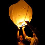 フローティングランタンランダムな色を孔明空の紙を飛んキャンドル中国の火で希望の結婚式