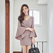 新しい春と夏の薄いスリムドレストランペット袖Vネックドレスのスカートの女性の2017韓国語バージョン
