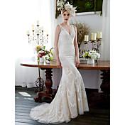 Trompeta / Sirena Cuello en V Larga Encaje Vestido de novia con Apliques Botones por LAN TING BRIDE®