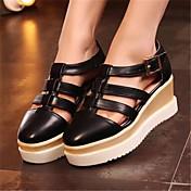Mujer Zapatos PU Verano Confort Zapatos de taco bajo y Slip-On Con Para Casual Blanco Negro Plata