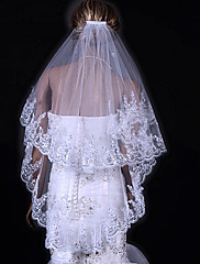 Magnifique voile de mariée entièrement brodé