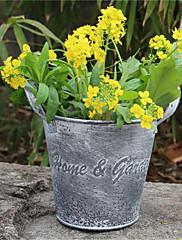 古い錫の装飾品を行う装飾植木鉢創造家具インテリア着陸のレトロな庭