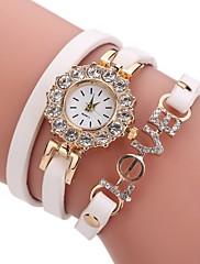 Dame Modeur Armbåndsur Simuleret Diamant Ur Kinesisk Quartz Imiteret Diamant PU Bånd Perler Afslappet Elegante Sort Hvid Blåt Rød Brun