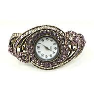 Quartz Movement Round Shape With Beautiful Cubic Zirconia Bracelet Watch