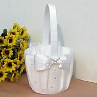 리본 활과 라인 스톤과 흰색 새틴의 꽃 바구니