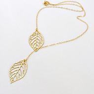 Collana con ciondolo a forma di foglie
