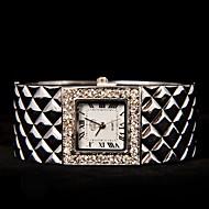 herrlichen Frauen Retro Metall Diamant Mode Uhr
