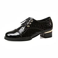Oxfordky - Lakovaná kůže - Pohodlné / Kulatá špička - Dámská obuv - Černá / Modrá / Červená - Kancelář / Šaty - Nízký podpatek