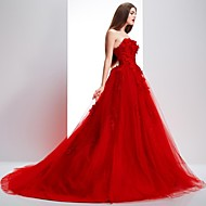 Formal Evening Dress - Petite Ball Gown Strapless / Scalloped Sweep/Brush Train Lace / Tulle