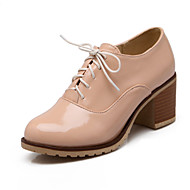 Women's Shoes Patent Leather Chunky Heel Heels/Closed Toe Oxfords Outdoor/Office & Career/Casual Black/White/Beige