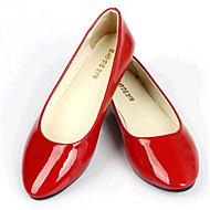 플랫-야외 / 캐쥬얼-여성의 신발-컴포트-레더렛-플랫-블랙 / 블루 / 옐로 / 핑크 / 퍼플 / 레드 / 화이트 / 그레이 / 베이지