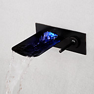 Modern Muurbevestigd LED / Waterval with  Keramische ventiel Single Handle drie gaten for  Olie-Gewreven Brons , Wastafel kraan