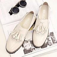 Women's Shoes Leatherette Spring / Summer / Fall Flats Loafers  / Casual Flat Heel TasselBlack / Silver / Beige /