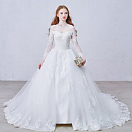 Ball Gown Wedding Dress Chapel Train Bateau Lace / Tulle with Appliques / Button / Lace
