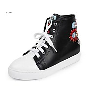 Women's Sneakers Spring / Summer / Fall / Winter Comfort Leather Casual Flat Heel Lace-up / Flower Black / White Others