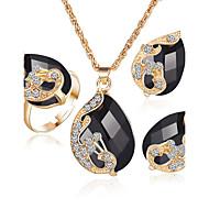 Smykker 1 Halskjede / 1 Par Øredobber / Ringe / 1 Pakke Diamant / Safir / Smaragd / Krystall Bryllup / PartyKrystall / Legering / Strass