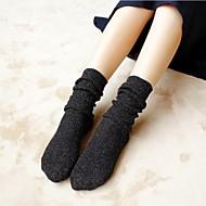 靴下の通気性黒/黄/緑/グレー/コーヒー/ネイビー/バーガンディのための他人