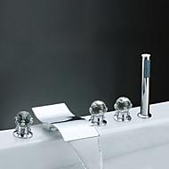 コンテンポラリー モダンスタイル 組み合わせ式 滝状吐水タイプ ハンドシャワーは含まれている with  真鍮バルブ 3つのハンドル5つの穴 for  クロム , 浴槽用水栓