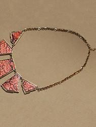 Collier serpent géométrique dossard