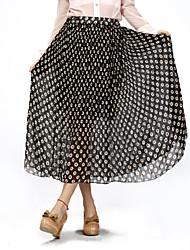 упругий бюст женщины юбка