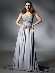 Prom / Formal Evening Dress - Silver Plus Sizes / Petite A-line Strapless / Sweetheart Sweep/Brush Train Chiffon