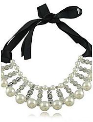 Femmes Bilayeres Diamond Pearl Necklace