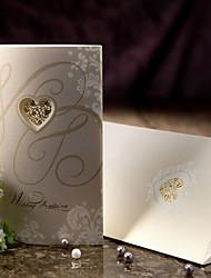 style vintage invitation de mariage à trois volets avec le coeur découpe-ensemble de 50/20