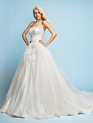 Lanting Bride A-line / Princess Petite Wedding Dress-Court Train Sweetheart Lace / Satin / Tulle