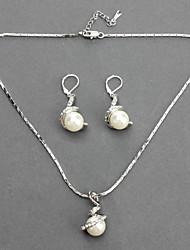 Diamond Pearl Necklace Boucles Suit