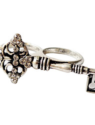 Do The Old Retro Silver Diamond Key Pair Ring Ring