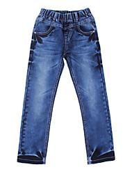Garota é clássico com arcos Jeans