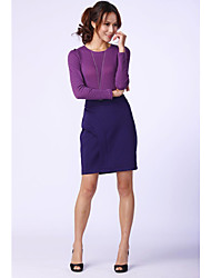 Fit de unifo Mostrar Mujeres que hacen punto la falda púrpura