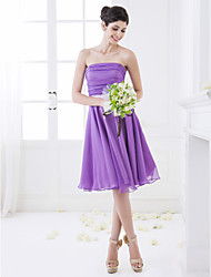 Knee-length Chiffon Bridesmaid Dress A-line Strapless Petite with Ruching