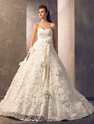 A-line/Princess Plus Sizes Wedding Dress Court Train Strapless