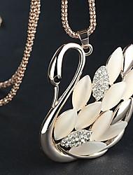 J & G Geraffineerde Swan Shape Opal Ketting