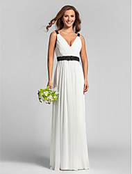 Lanting Bride® Floor-length Georgette Bridesmaid Dress - Sheath / Column V-neck Plus Size / Petite with Sash / Ribbon / Side Draping
