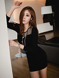 Vestido asimétrico atractiva de las mujeres