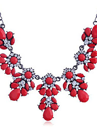 Necklace Statement Necklaces Jewelry Daily Fashion Crystal / Alloy / Rhinestone Rose / Black / White / Red 1pc Gift
