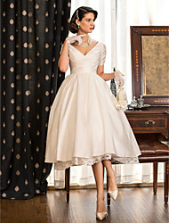 Lanting Bride® A-line / Princess Petite / Plus Sizes Wedding Dress - Reception Little White Dresses Tea-length V-neck Taffeta with Lace