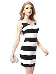 Round Neck Open Back schwarz-weiß gestreiften Casual Dress