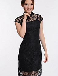 Collare delle donne germoglio di seta con maniche corte Il vestito cinese