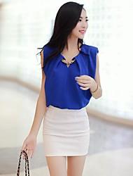 Блузка женская шифоновая без рукавов с подплечниками