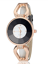 Vrouwen Rose Gold Diamante ronde wijzerplaat pu band quartz analoog Fashion Watch (assorti kleur)