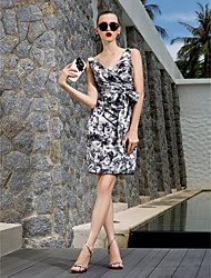 TS Couture® Cocktail Party / Holiday / Prom Dress - Print Plus Sizes / Petite Sheath/Column V-neck Knee-length Chiffon