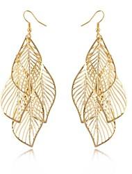 Mulheres Brincos Compridos Oco Elegant Comprimento Longo Europeu Bijuterias Destaque bijuterias Liga Formato de Folha Jóias Para
