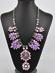 modelo elegante collar de flores conjunto de las mujeres