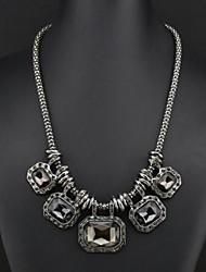 collana di pietra moda femminile