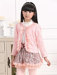 Girl's Fashion Sweet Lace Floral Princess Three Piece Clothing Set (Including Coat, T Shirt, Skirt)