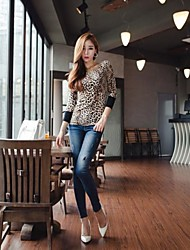 Women's The Sexy Leopard Dew Shoulder Garments Shirts